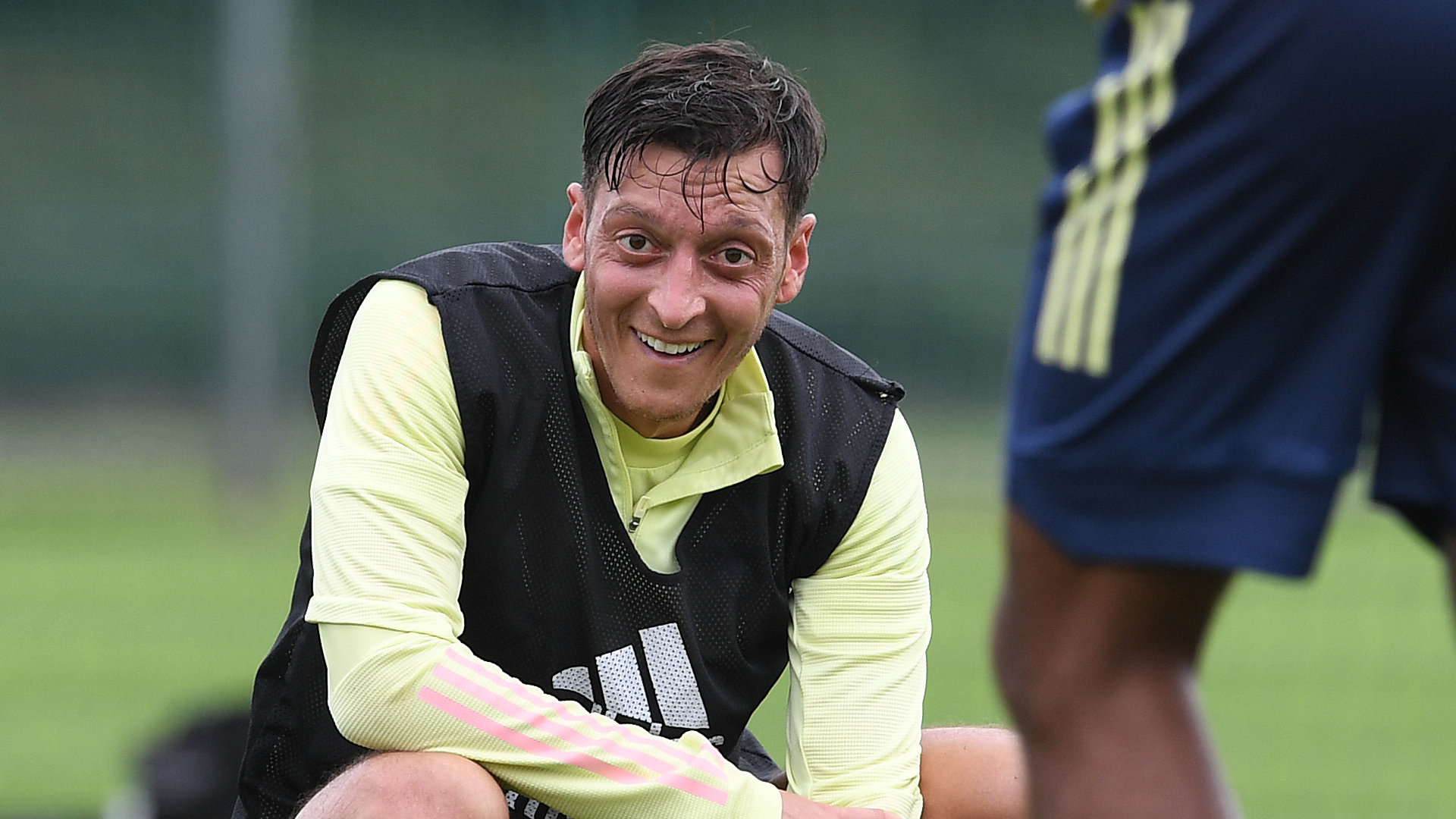 Ozil move being held up by 'quarantine situation' but Arteta not concerned