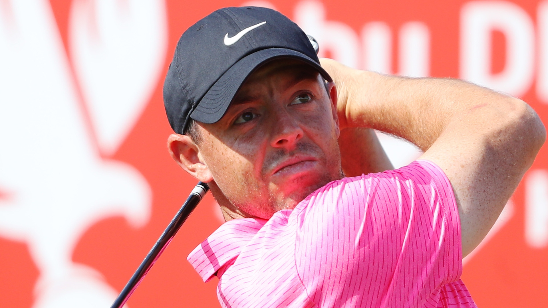 McIlroy hits the front as under-fire Thomas toils after Abu Dhabi fog delay