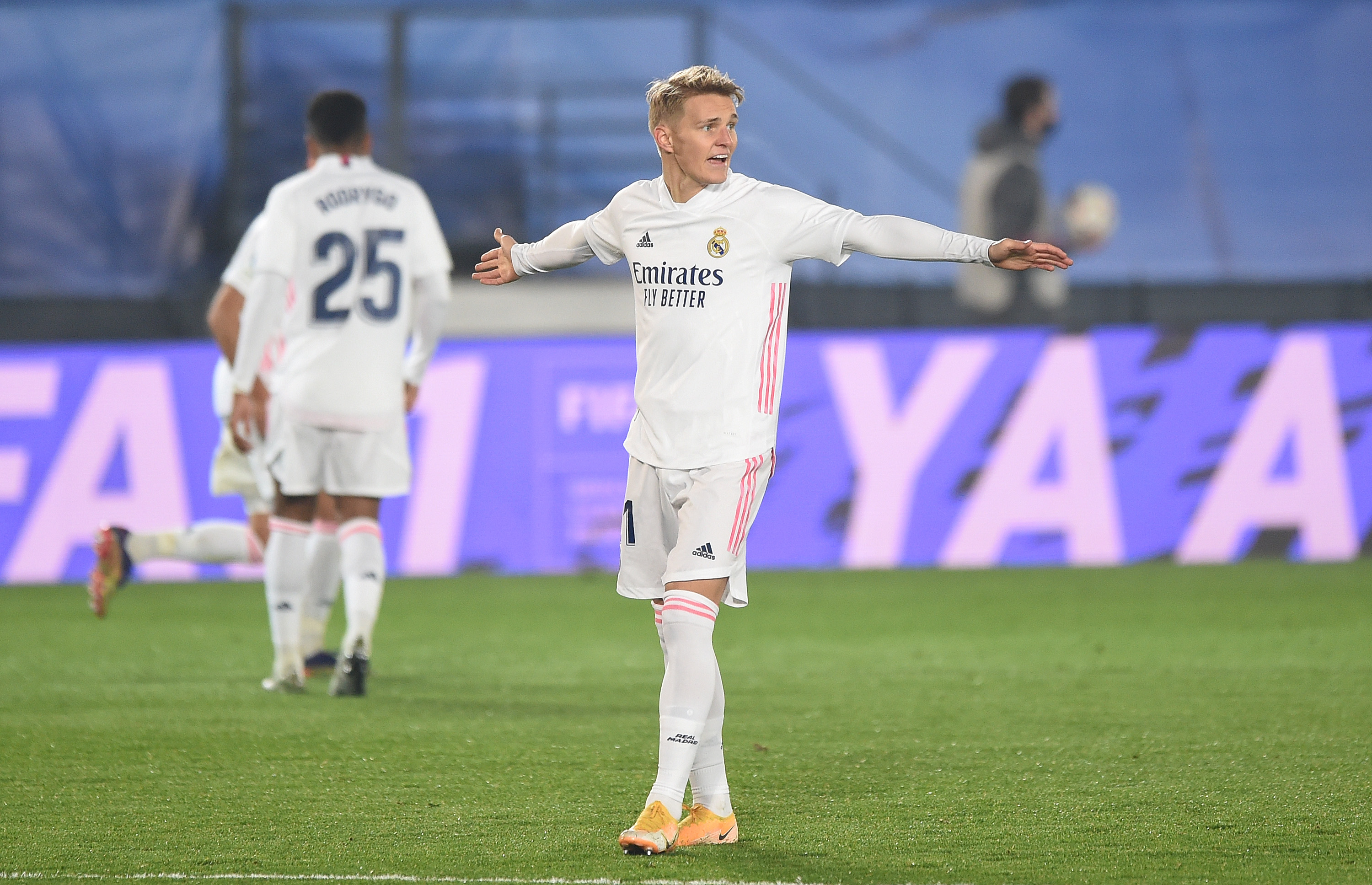 Odegaard joins Arsenal on loan