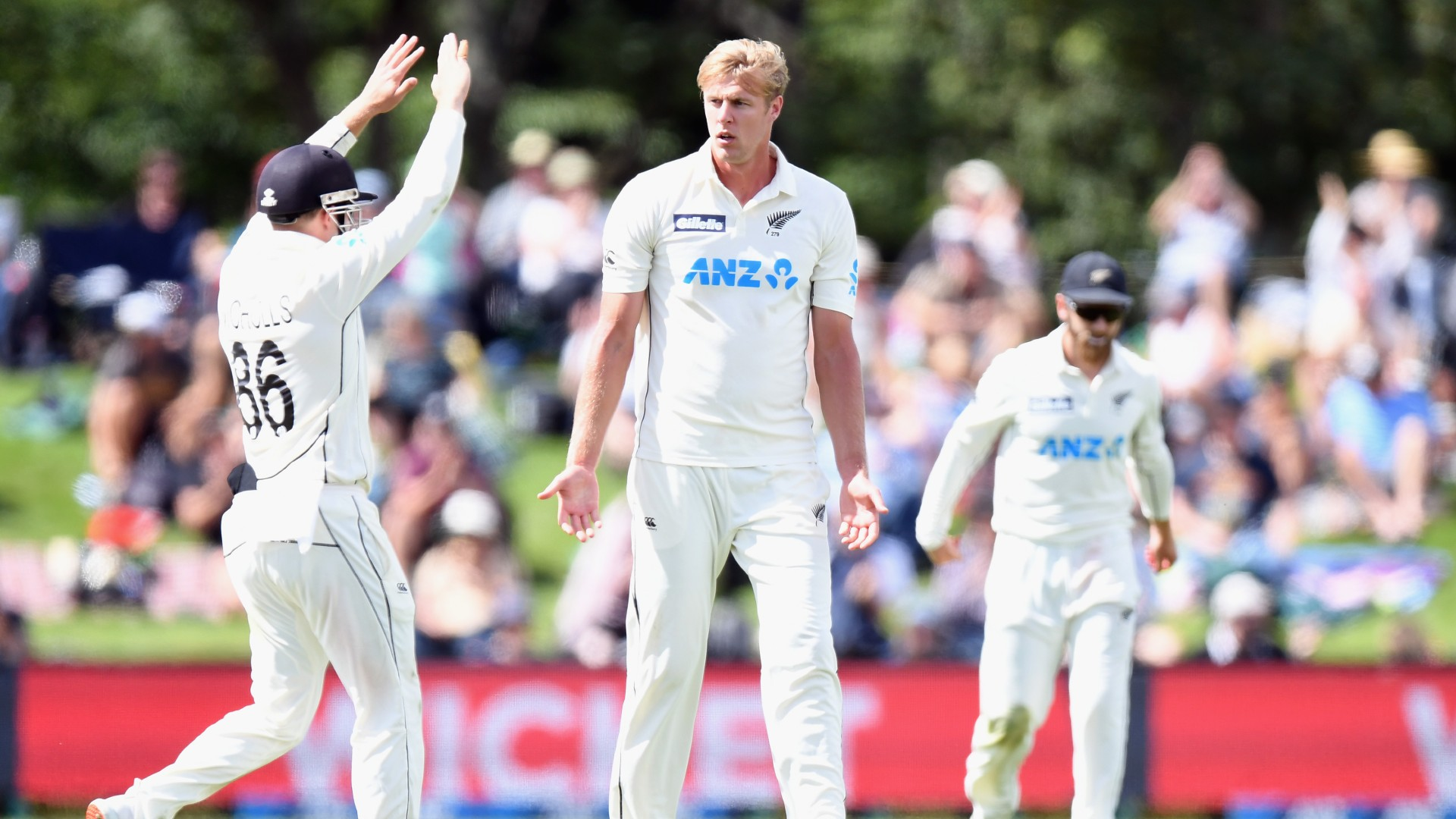 Jamieson snares five wickets but Pakistan battle back on day one