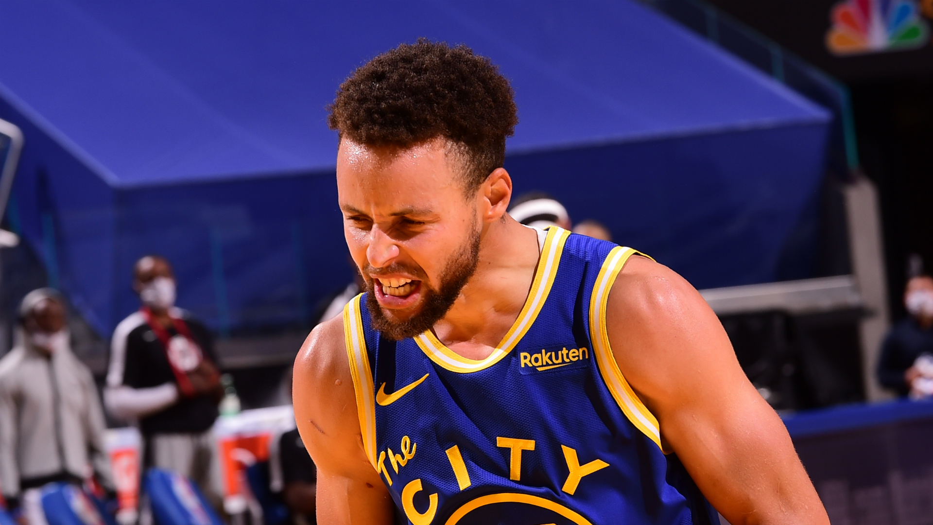Sizzling Curry too hot for Clippers to handle as Kerr, Paschall hail Warriors star