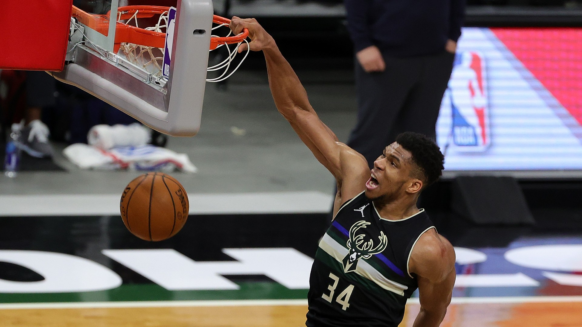 Giannis in a 48-year first for Bucks, LeBron's Lakers beat Warriors in milestone NBA game