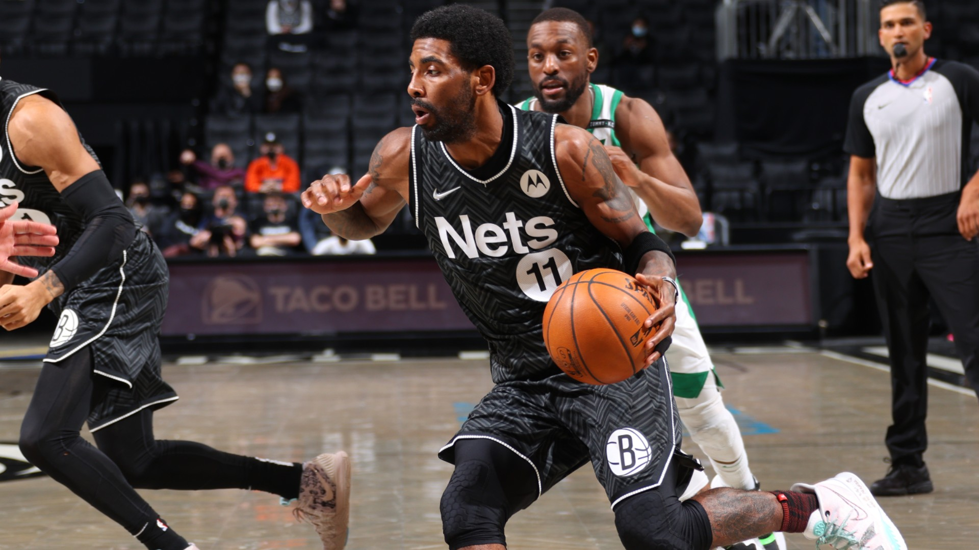 Kyrie Irving drops 40 as star-studded Nets win, Giannis leads Bucks with triple-double