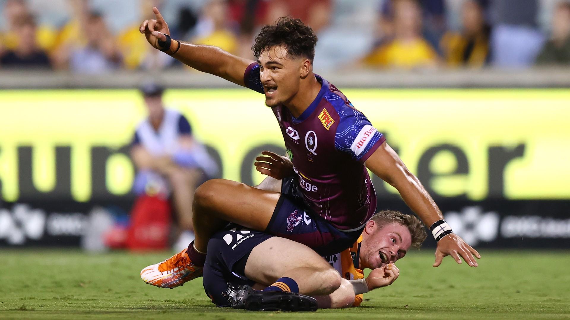 Petaia pounces to complete incredible Reds comeback