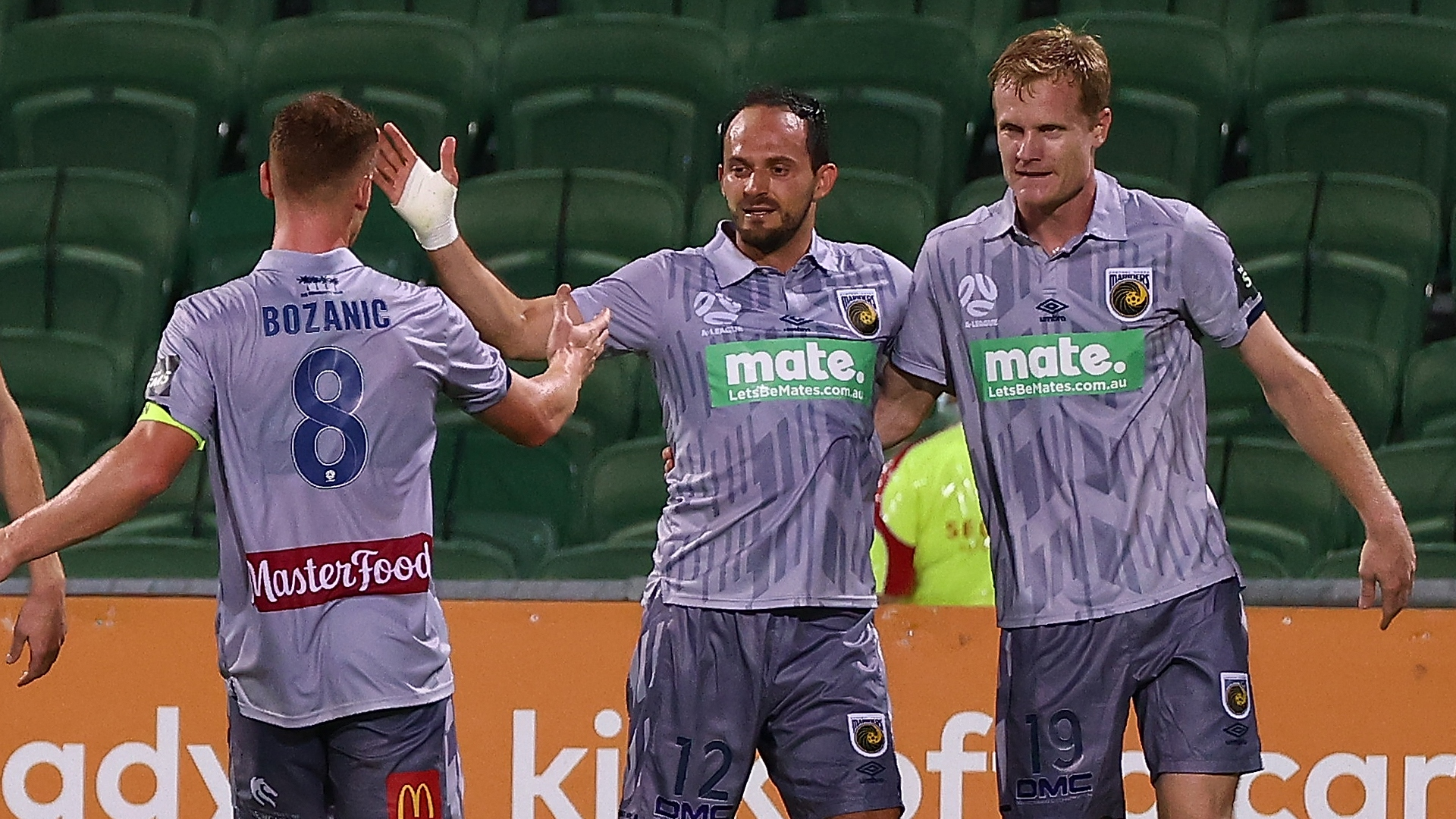 A-League: Mariners extend lead, Maclaren at the double for City