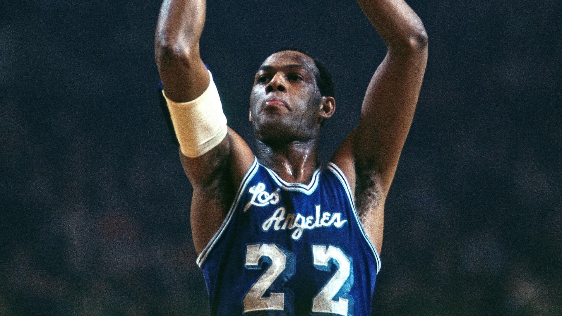 Los Angeles Lakers great Elgin Baylor dies at 86