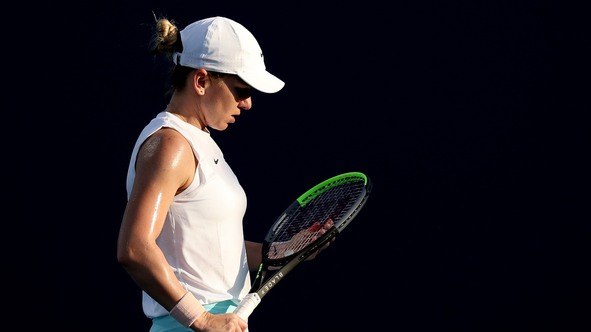 Injured Halep withdraws from Miami Open