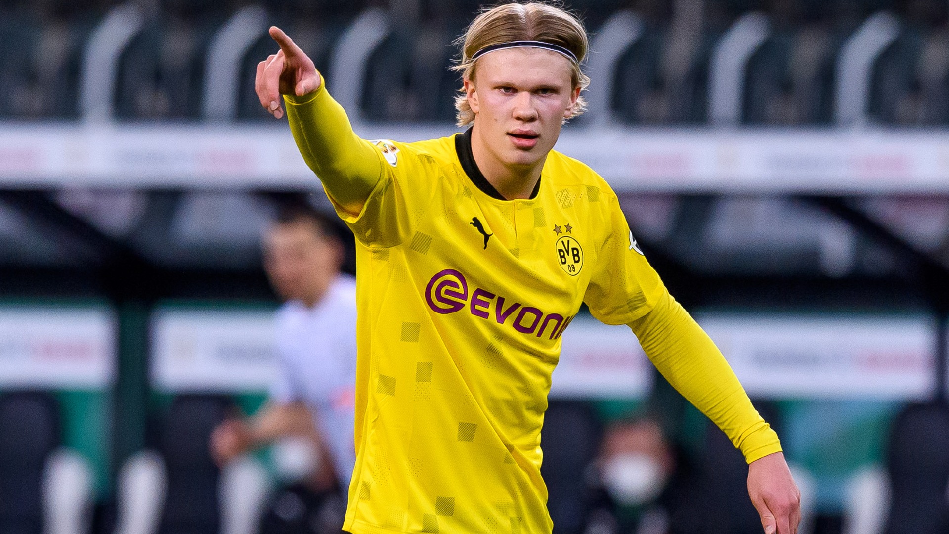 Bayern have financial strength to sign Haaland, claims president Hainer