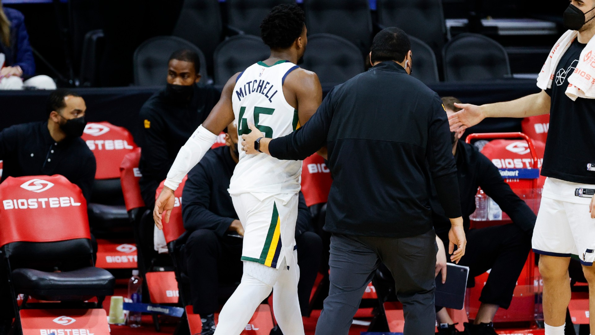 'It's getting f****** ridiculous' – Mitchell unloads after ejection in Jazz's OT loss