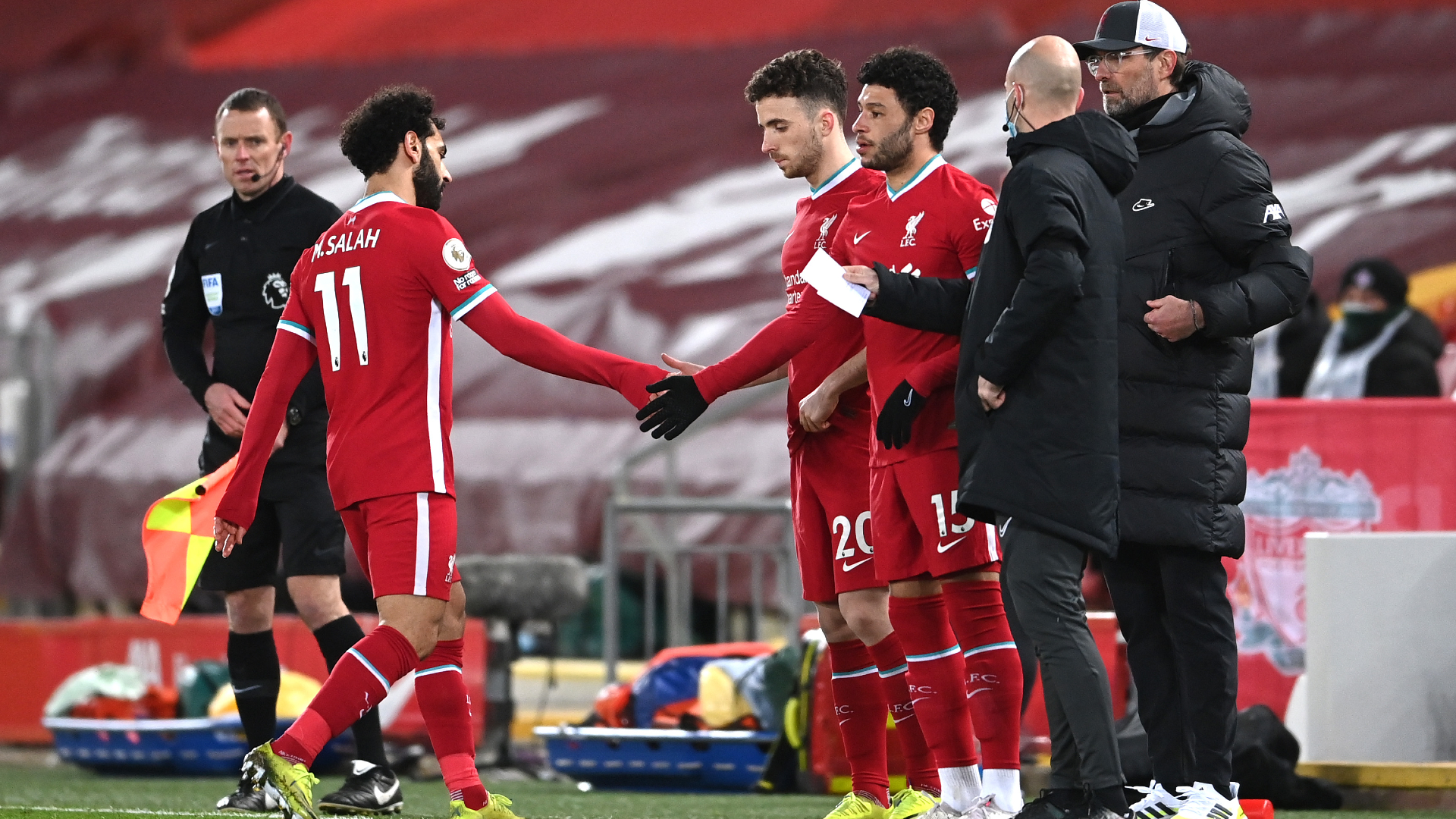 Klopp will keep talking to Salah but Liverpool boss sees no need for 'proper talk'