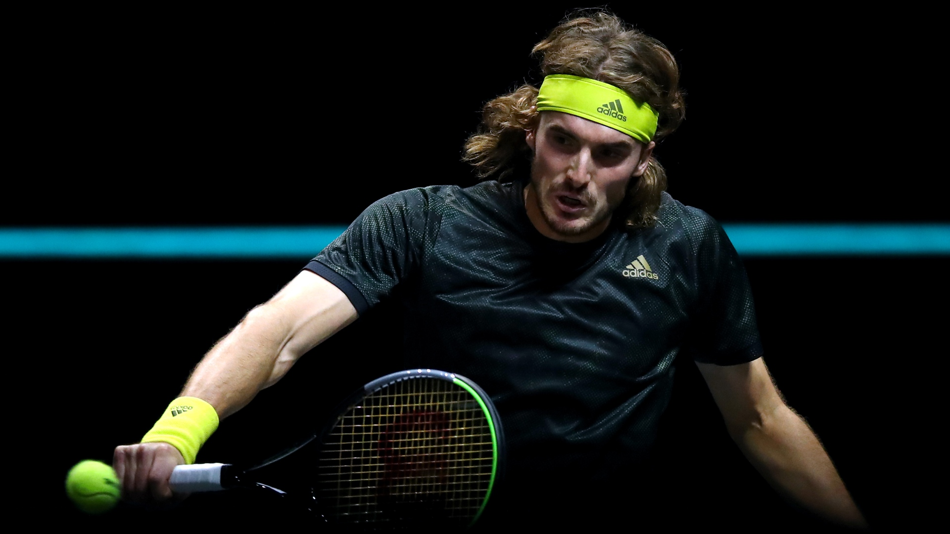 Tsitsipas to face Khachanov after brutal Hurkacz battle