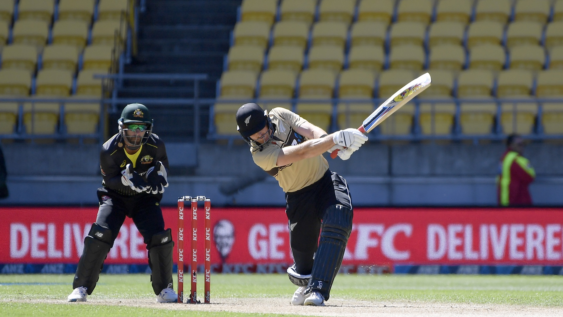 Australia suffer T20 series defeat as Guptill blasts Black Caps to decisive victory