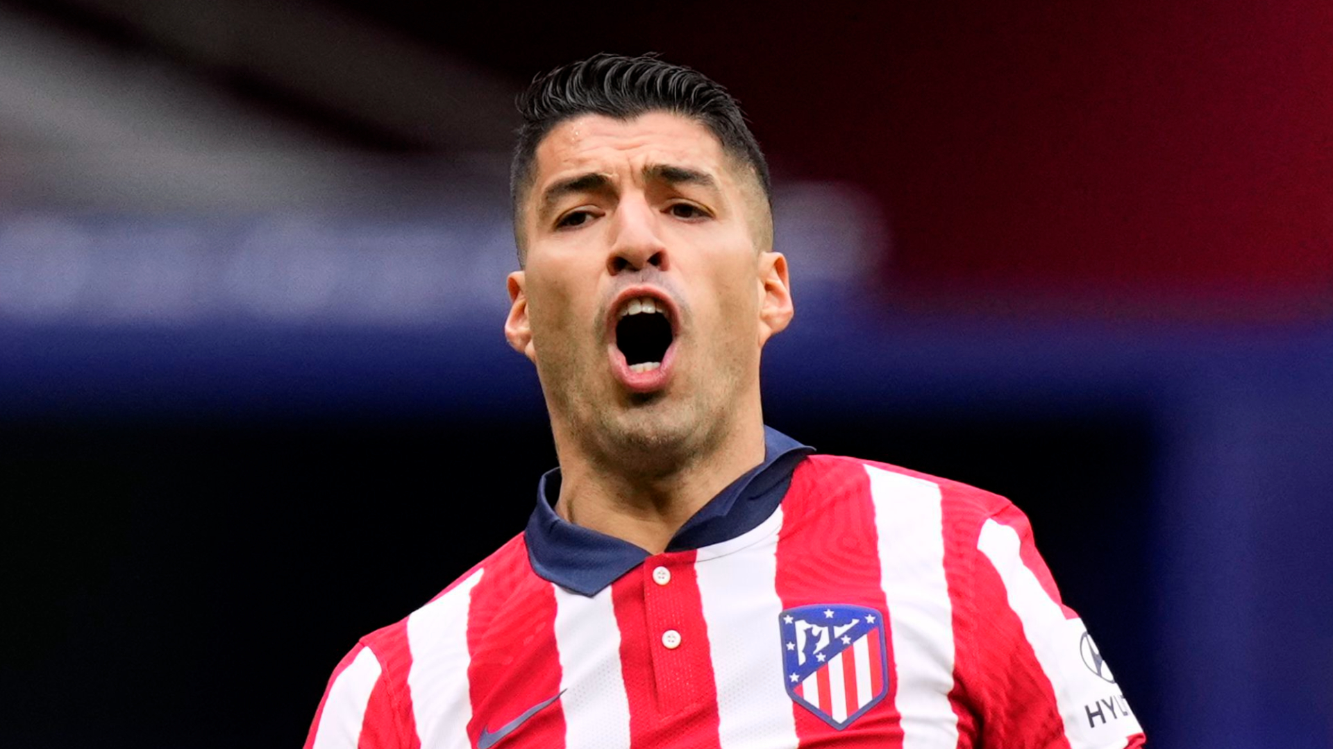 Suarez forlorn as Atletico moment of weakness keeps Real Madrid in title hunt