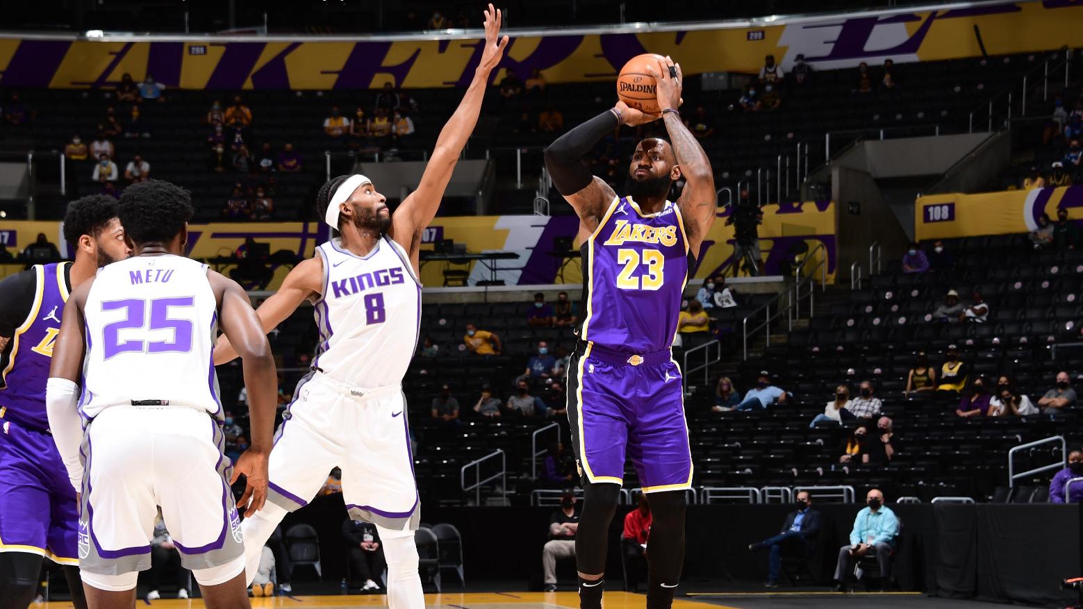 LeBron returns for Lakers, Tatum ties Bird's record in Celtics fightback