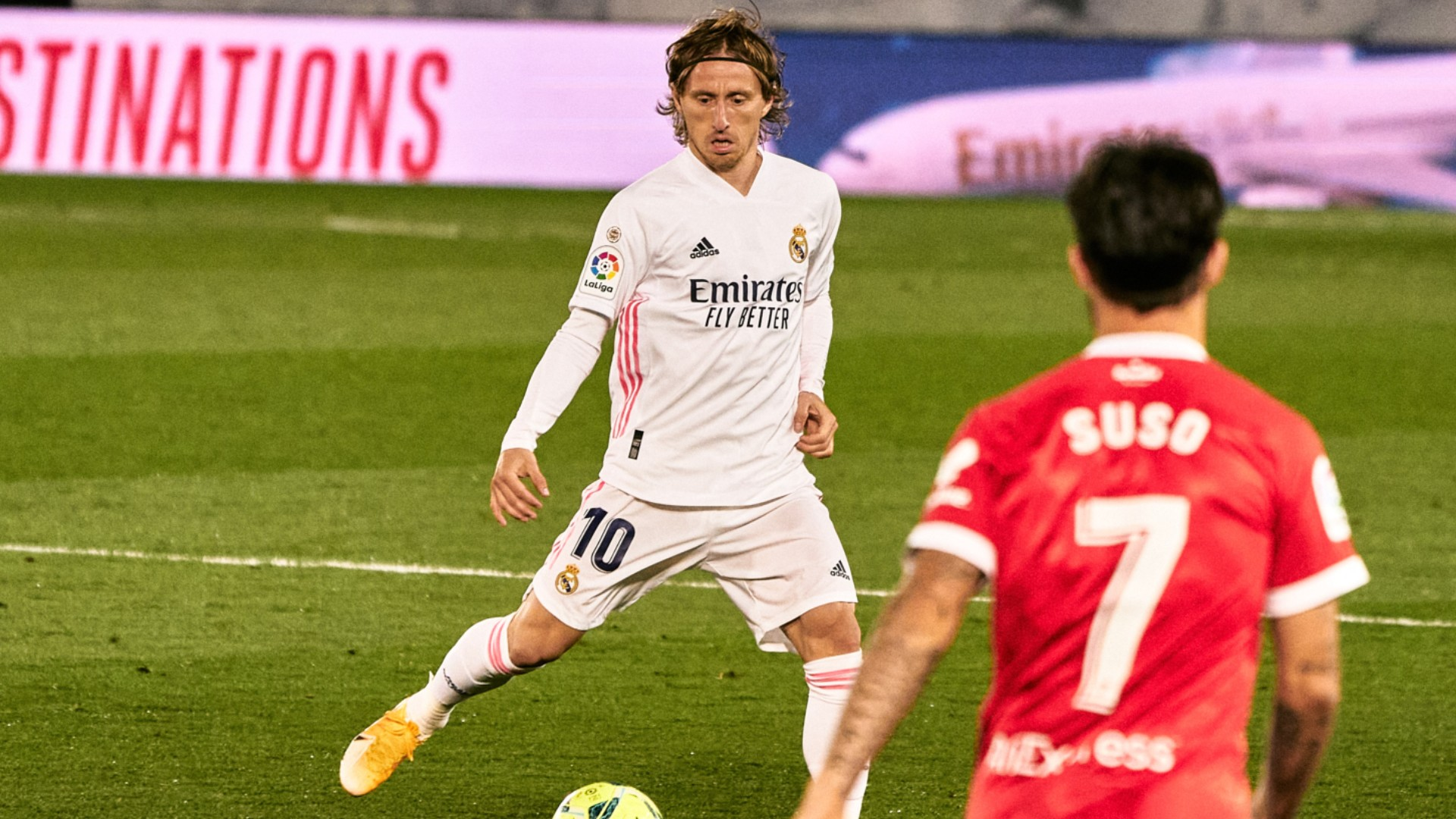Modric won't stop believing in LaLiga title bid after Madrid's last-gasp draw
