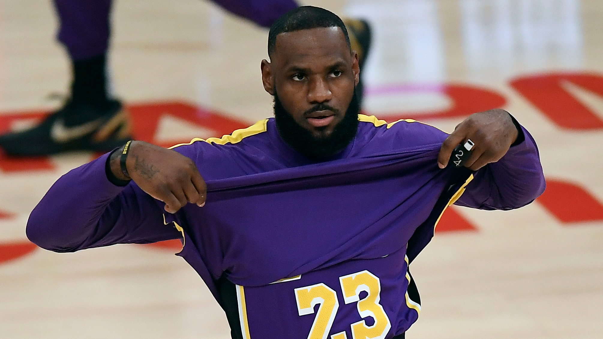 LeBron James sits out Lakers-Nuggets clash after re-aggravating ankle issue