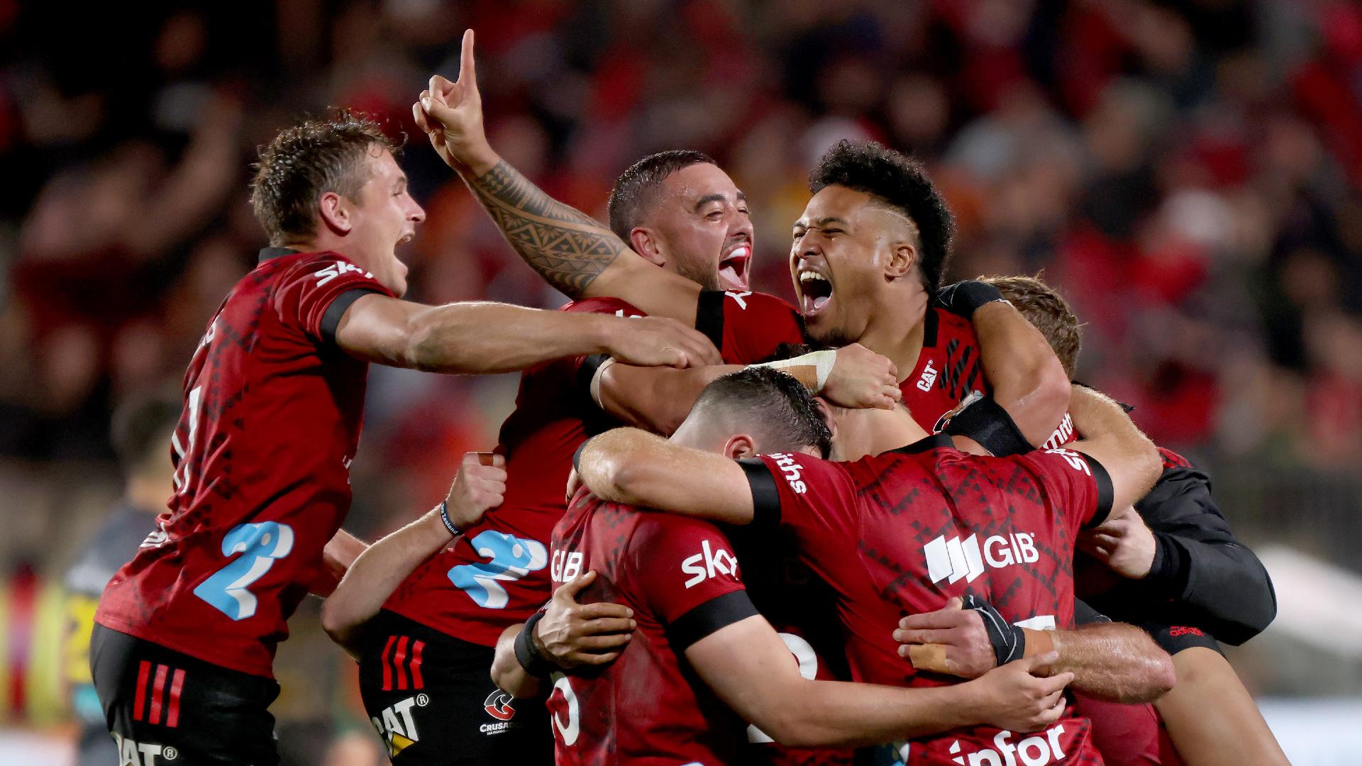 Crusaders 24-13 Chiefs: Mo'unga seals Super Rugby Aotearoa title